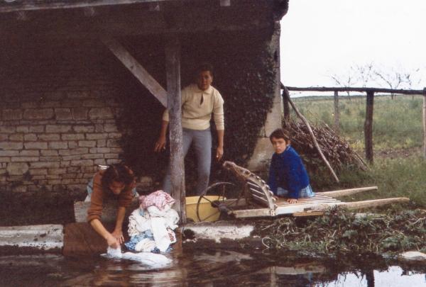 Le lavoir vers 1963